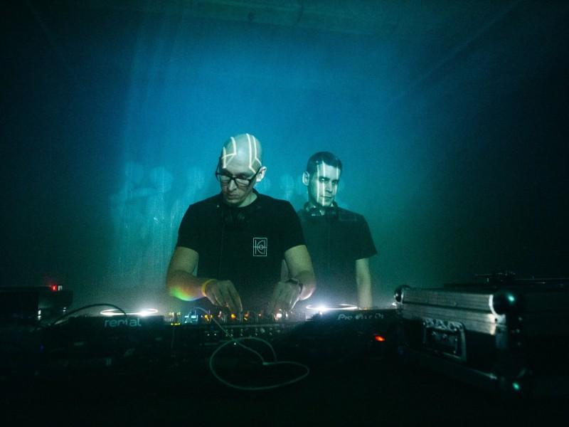 Bad Mojo & Michael Priest (SK)